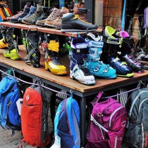 Commerces de montagne / magasin location de ski